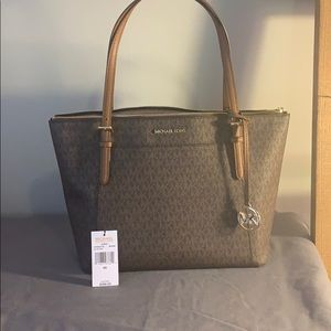 Brand new still with tags Michael kors Ciara bag